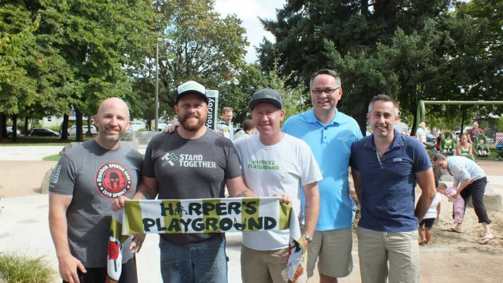 SEMpdx board members hang with Timber Joey